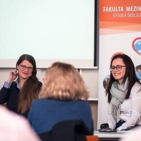 """23.3.2018: Diskuse """"Česká média a Čína"""""""
