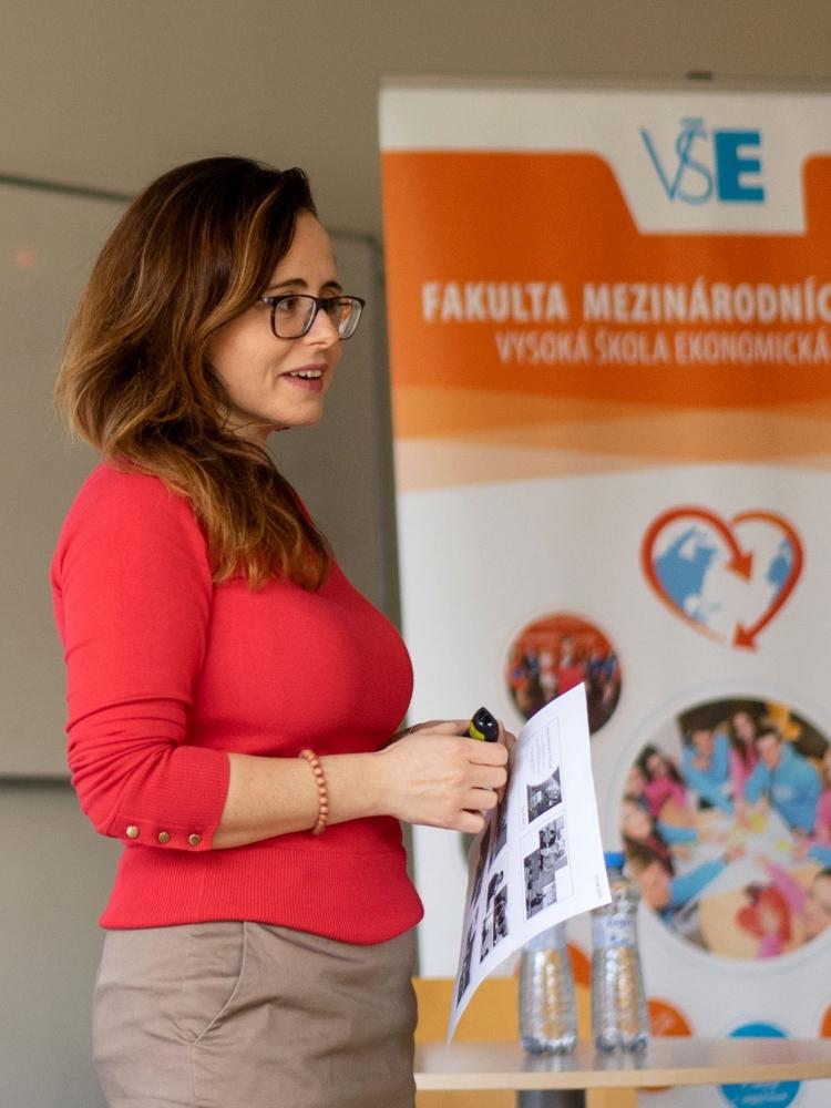 Zuzana Stuchlíková, ředitelka CAS, získala za FMV ocenění Pedagog roku 2019